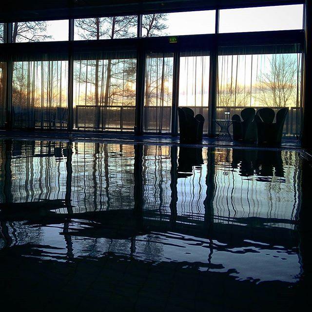 #outsidecity #bythelake #spa #sauna #swimming #swimmingpool #långvik #relaxing #mobileupload #finland #thisisfinland @essenceofphotographyyy #clicked_by_samujjwal #exotic #hotels #ravintola #langvikhotel http://www.langvik.fi/