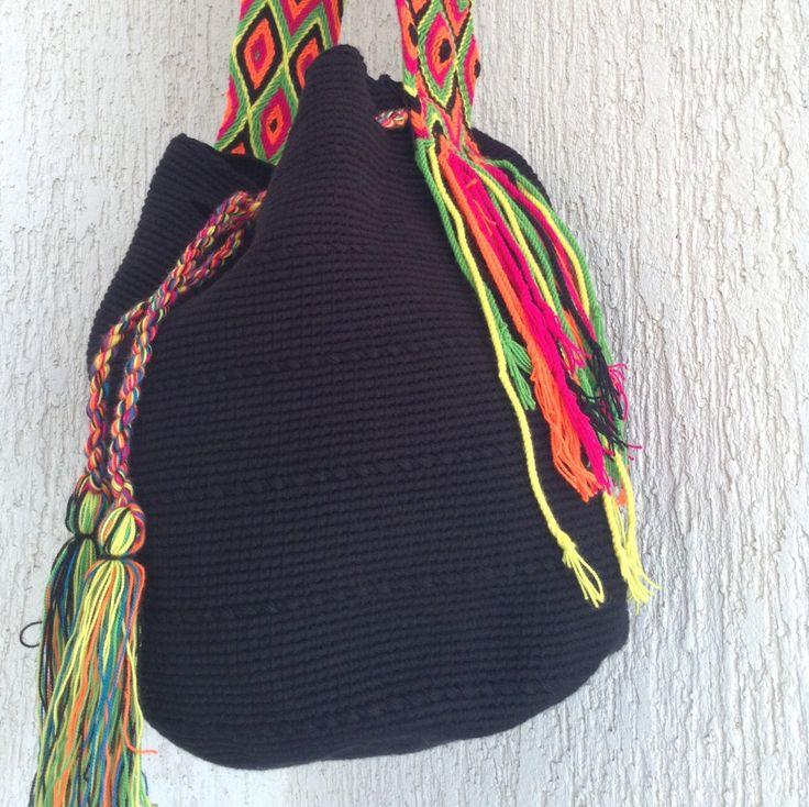 Oscuridad - Mochila Wayuu by Arhuak on Etsy