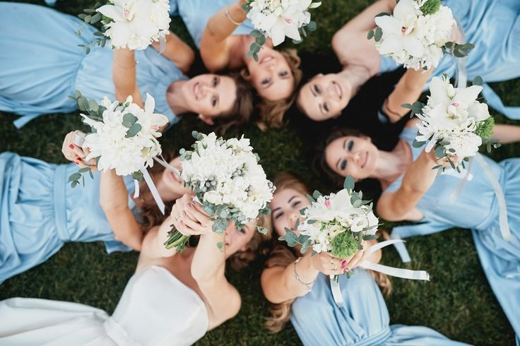 bride and her bridesmaids bouquet букет невесты и подружек