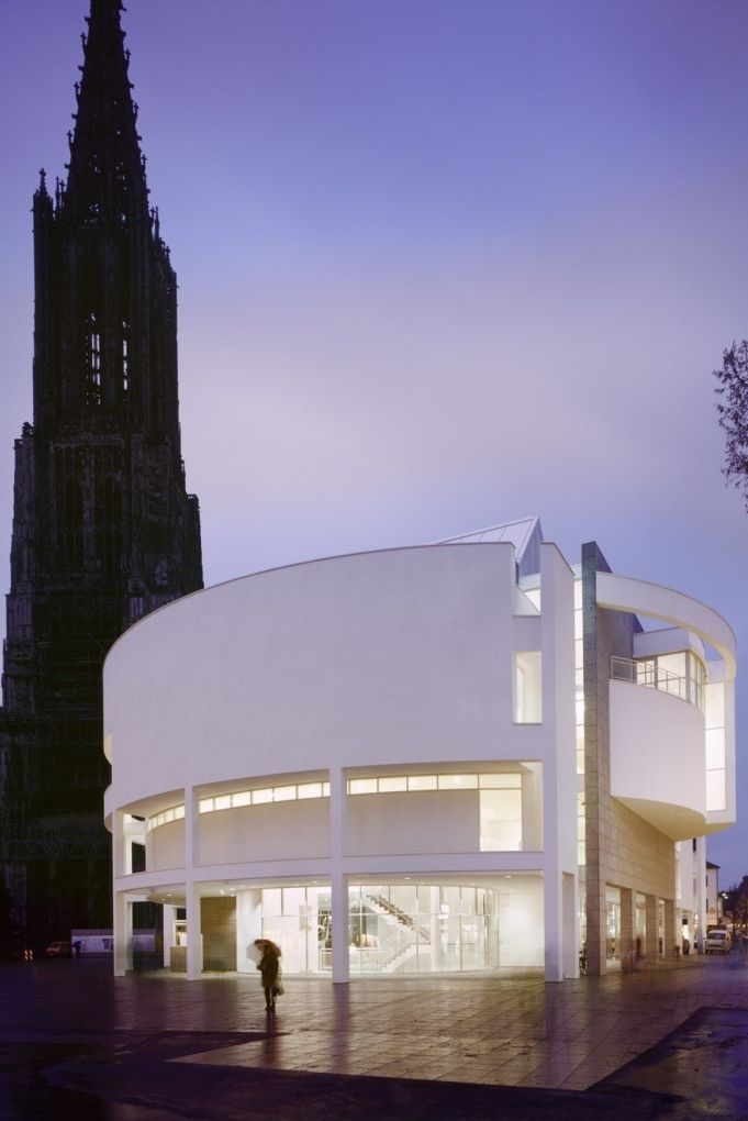 94 best richard meier images on pinterest richard meier for Best architects today