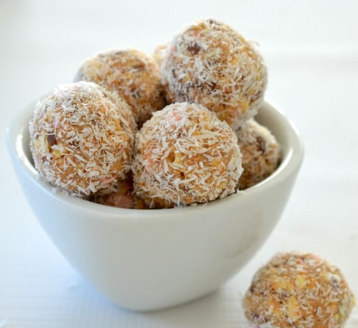 These no bake Clinkers Truffles are one of the EASIEST sweet treats that you can make - and they can also be made using a Thermomix too!