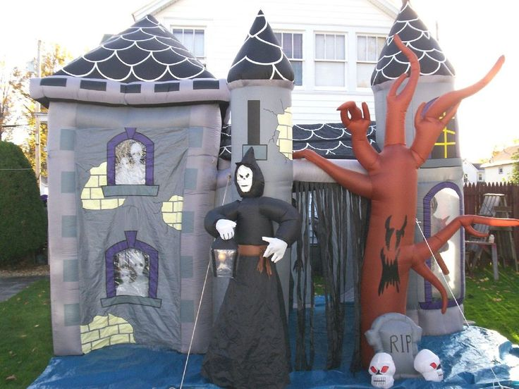 Gemmy halloween airblown inflatable haunted house castle for Air blown decoration