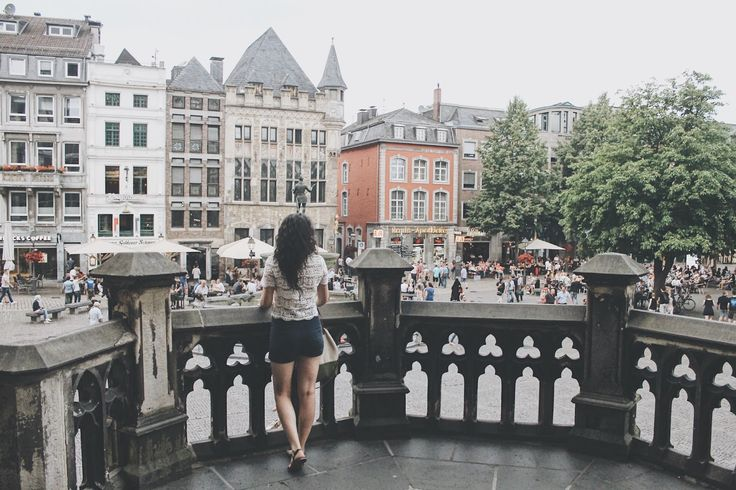 Good food, amazing buildings & funny bronze statues, even an old style open air roman spa in the centre of the town - Aachen has it al! More in the new #travelwithme post on the blog https://fashionablestreets.blogspot.de/2017/07/travelwithme-to-aachen.html