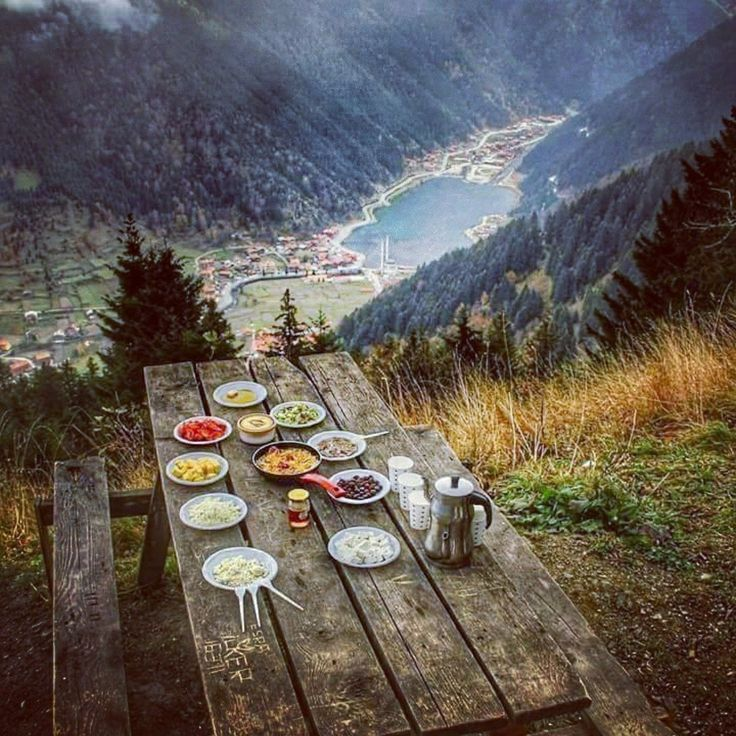 #30nutritiontips  day24 Use a side plate! #healthyeating #healthyfood #travelphotography #traveling #mountains #peak #picnic #lake #nature #world #beauty  #thefitworldtraveller @wrdfittraveller