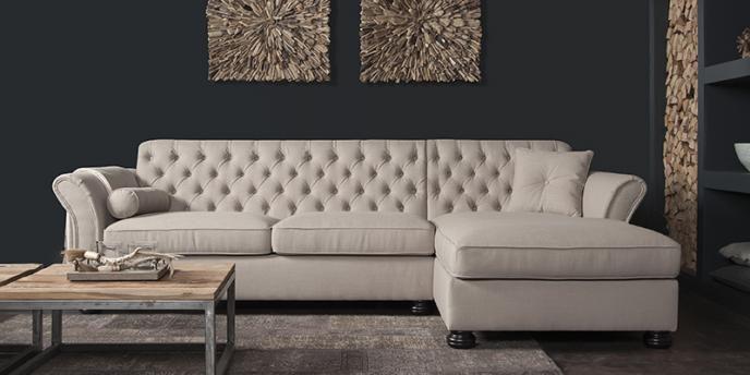 UrbanSofa Loungebank Calmont De Calmont is een romantische lifestyle Loungebank met karakter. Een unieke ontwerp van onze eigen designafdeling onder leiding van Ira Ness. De geheel met de hand en op ambachtelijke wijze gecapitonneerde rugleuning geeft de bank een zeer…