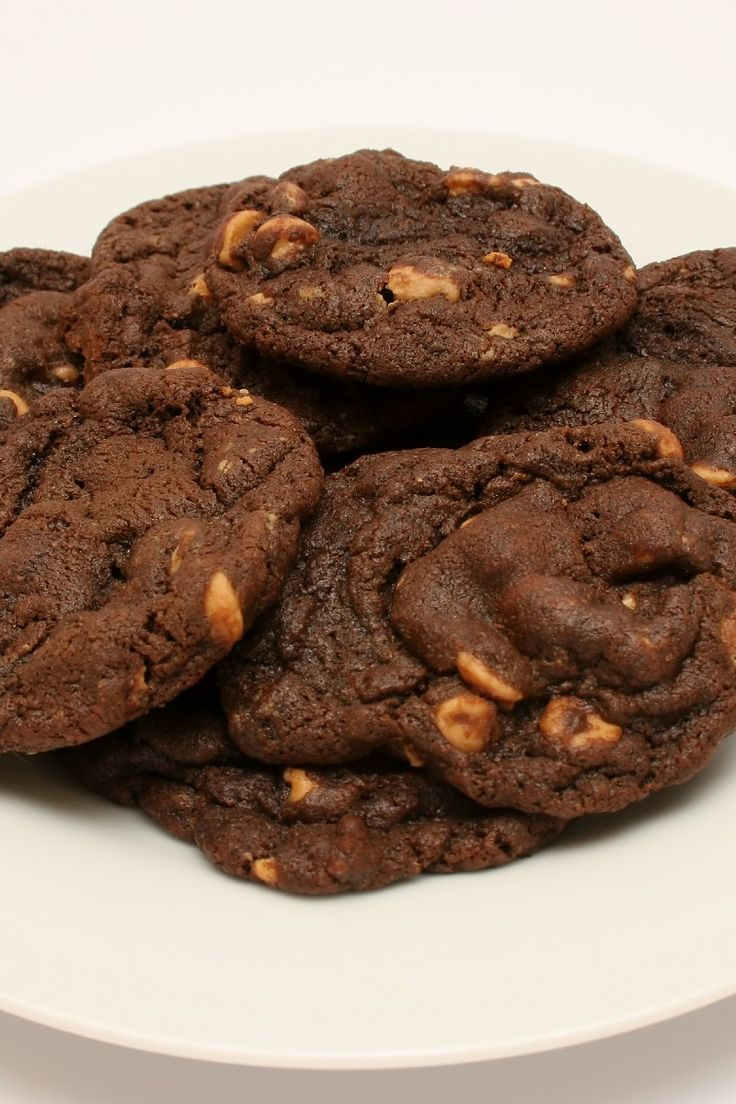 Chewy Chocolate Peanut Butter Chip Cookies #Cookies # ...