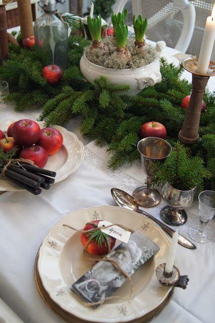 Classic Christmas table setting