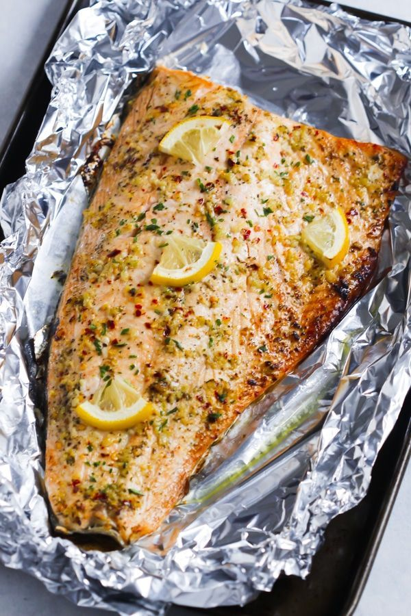 This Garlic Butter Salmon in Foil recipe is an ultra-easy and a flavoutful dinner to make during your busy weeknights. It's ready in less than 30 minutes.