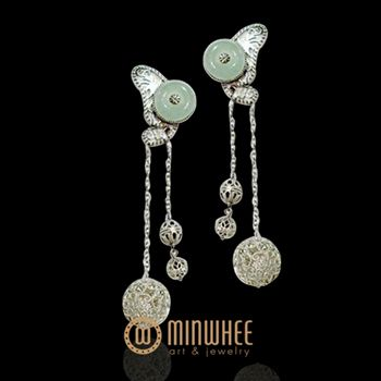 EARRING - 고품격 수공예 주얼리 민휘아트주얼리 MINWHEE ART JEWELRY🌸More Pins Like This At FOSTERGINGER @ Pinterest 🌺🌻🌸🌾
