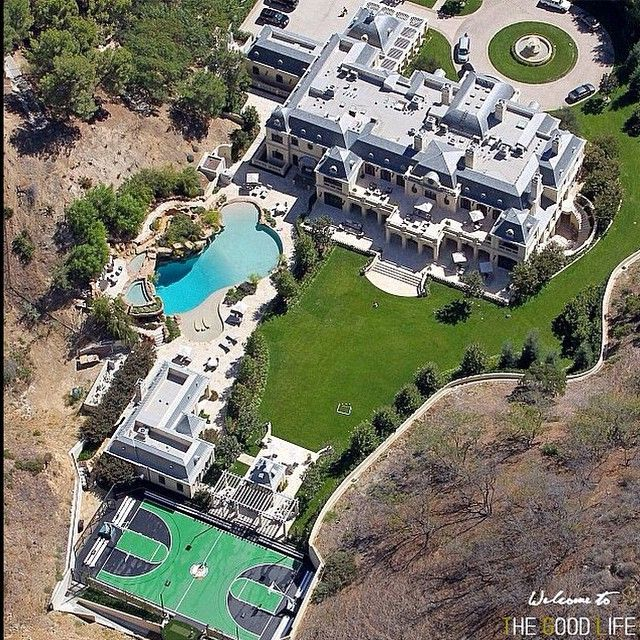 Mark Wahlberg's mansion makeover is finally complete, and the actor is going to be living pretty large with his family. Not bad for someone with a net worth of $200 million.