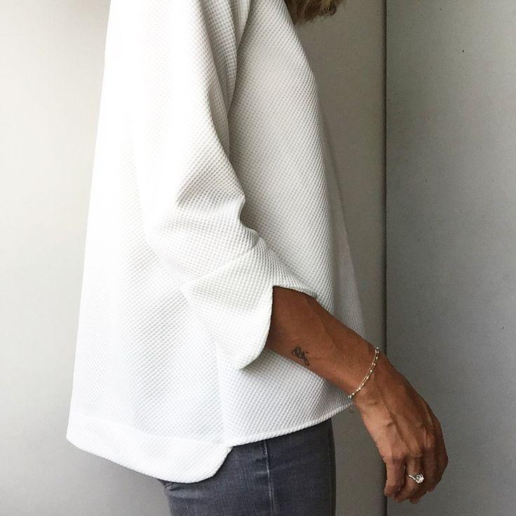 Image of Top TAKAMAKA blanc cassé