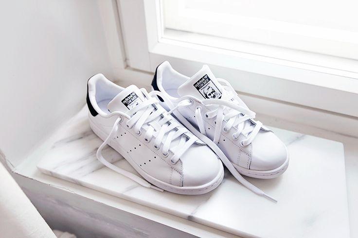 Adidas stan smith white and navy