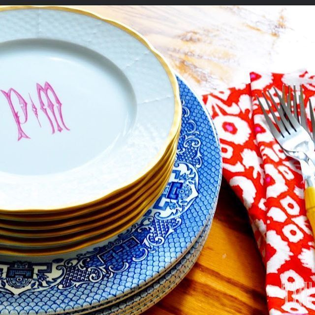 Mix and match modern dinnerware and vintage china to decorate your tablescapes. | Entertaining at Home | Preppy | Tablescapes | Dinnerware | China