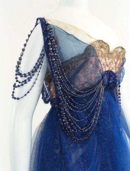 Bunka Gakuen Costume Museum  Douillet  c.1915~