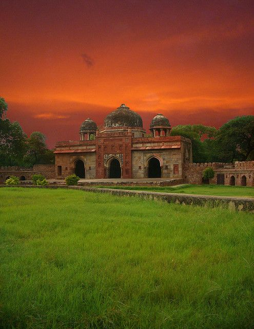 """""""Delhi's my favourite city and I don't mourn how it has changed,"""" says author William Dalrymple"""