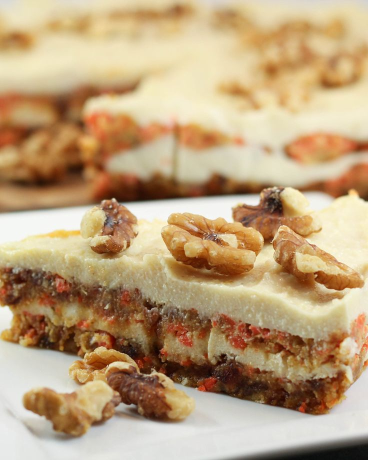 I am totally sold on raw desserts. I love that they are full of healthy ingredients, are easy to make and taste so fresh. This Raw Carrot Cake with  Macadamia Frosting is no exception...