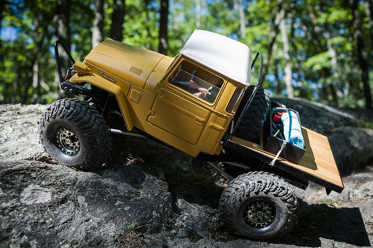 Axial SCX10 chassis, Joustra BJ40 hard body. Custom made