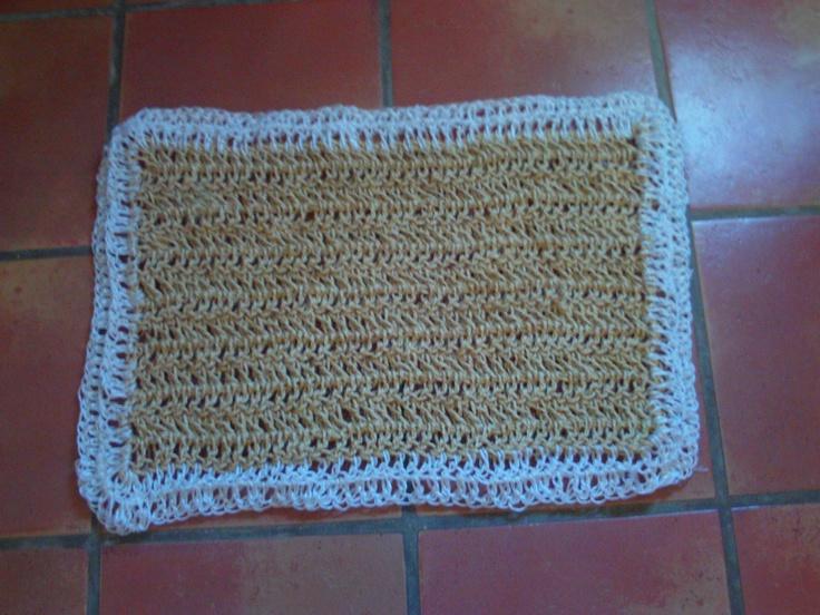 Alfombra hechs de crochet con cuerda de pita y cuerda de - Alfombras de plastico ...