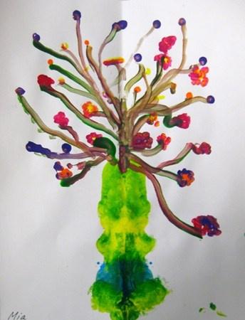 """Pointillism Flowers""  Artsonia Art Museum :: Artwork by Mia2435"