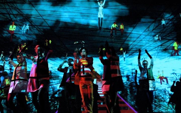 Laterna Magika  é um tipo de espetáculo policênico e multiforme criado em 1958 pelos tchecos Alfred Radok e Josef Svoboda para a Exposição Universal de Bruxelas. As técnicas de projeção cinematográfica são combinadas com as artes cênicas tradicionais como a comédia, a dança, a música, as artes circenses e o canto.
