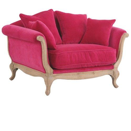 Format original pour ce mini canapé ou larges fauteuils aux formes généreuses…
