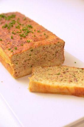 """750g vous propose la recette """"Pain au thon express"""" accompagnée de sa version vidéo pour cuisiner en compagnie de Chef Damien et Chef Christophe."""