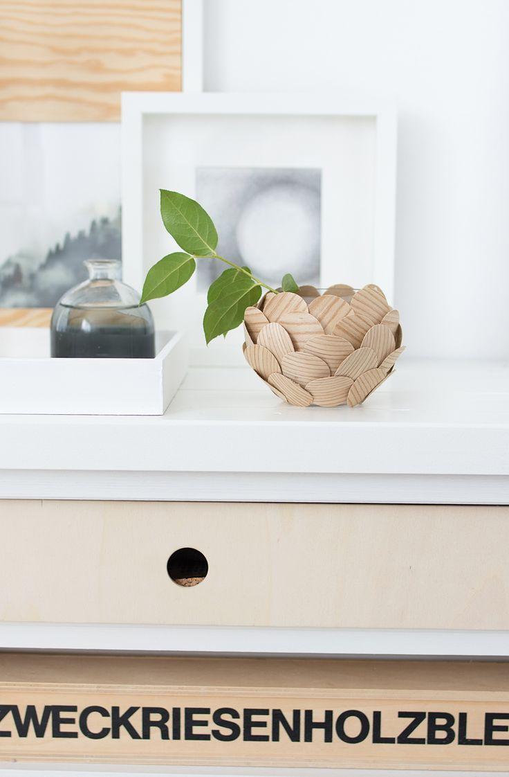 DIY Rundvase mit selbstklebenden Holzfurnier