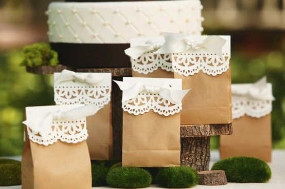 Doily trimmed favor bags