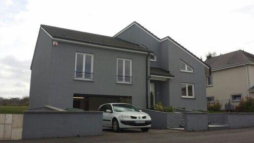 Fassade grau weiss