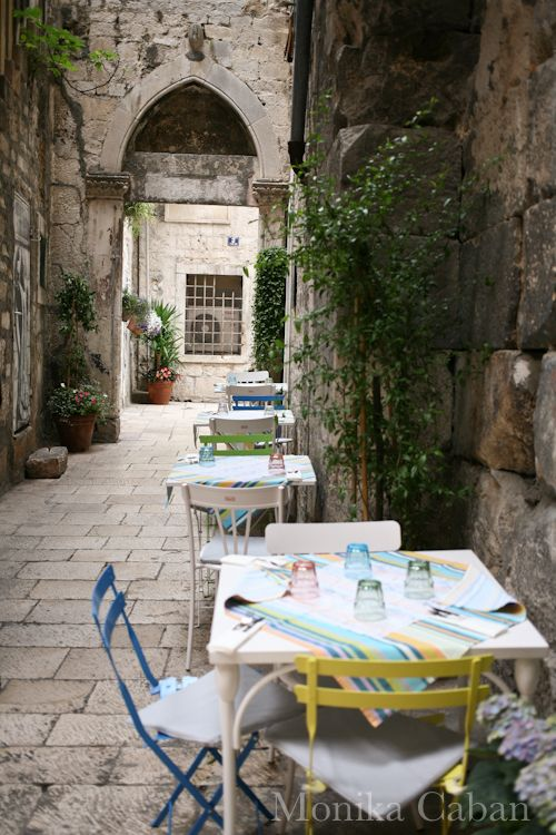 charming outdoor restaurant in Split, Croatia