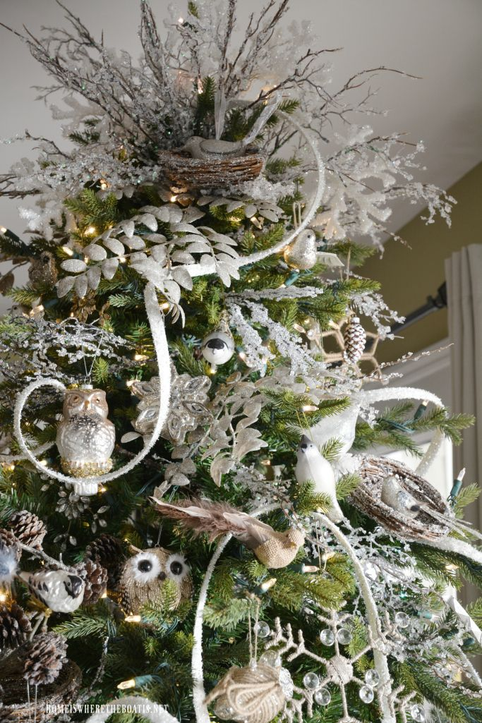 A Winter Nesting Tree Woodland Christmas Decor Owl Christmas Tree Cool Christmas Trees