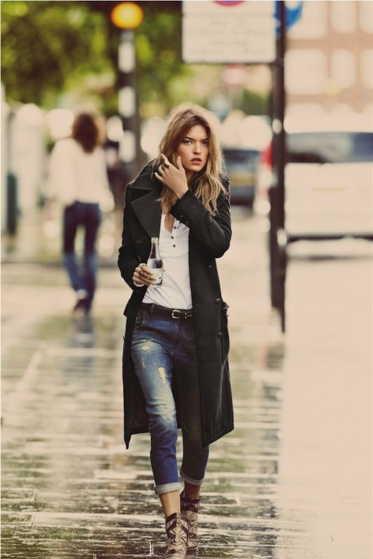 The coat makes this outfit.Great effortless fall fashion fashion that will never go out of style...Guy Aroch for #freepeople.
