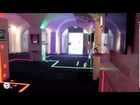 Installation Showroom Siège C'est dans l'ancien hôtel de Vatry dans le 9e arrondissement de Paris que Google a choisi d'installer son siège en France. Au del...