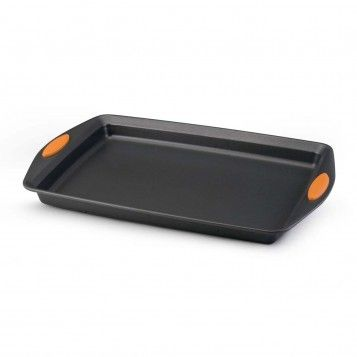 Rachael Ray Yum-o! Nonstick Bakeware Oven Lovin' Crispy Sheet 10-Inch by 15-Inch Cookie Pan, available at the Food Network StoreCookies Pan, 15 Inch Cookies