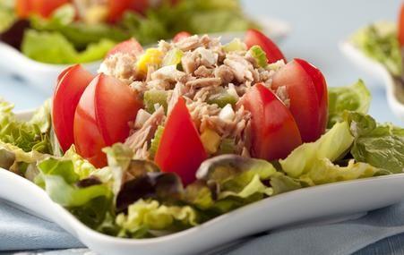 Hearty Herb and Garlic SaladHearty Herbs, Salad Recipe, Diabetic Recipes, Garlic Salad, Tuna Creations Herbs, Tuna Salad, Diabetes Recipe, Herbs Tuna, Garlic Tuna