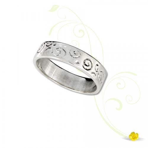 Newgrange Spiral Ring
