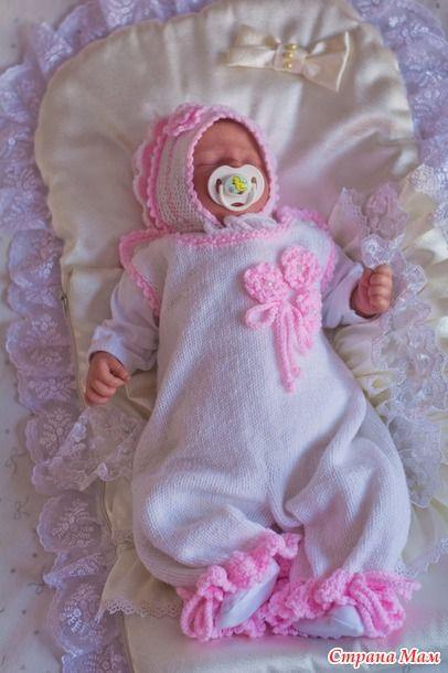 """Вязанный комплект для новорожденной девочки """" Лапочка""""  Удобнее сразу выбрать комплект, в котором все детали сочетаются и дополняют друг друга."""