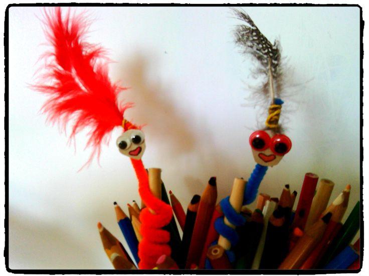 crayons rigolos, bricolage enfant, cure pipe, bricolage enfant