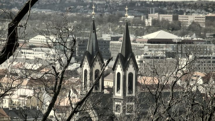 https://flic.kr/p/ESSDts | Kostel svatého Cyrila a Metoděje, Karlín, Prague | Pohled z vrchu Vítkov