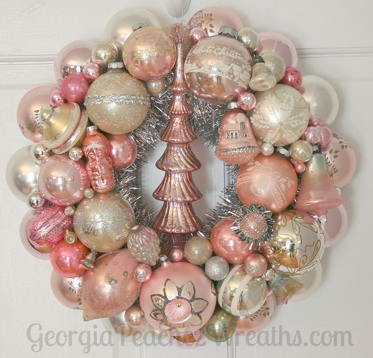 "Image of Vintage Shiny & Brite Christmas Ornament Wreath 9514 - 15"" diameter"