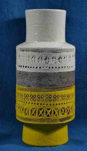 Bitossi Vase Pottery White Yellow
