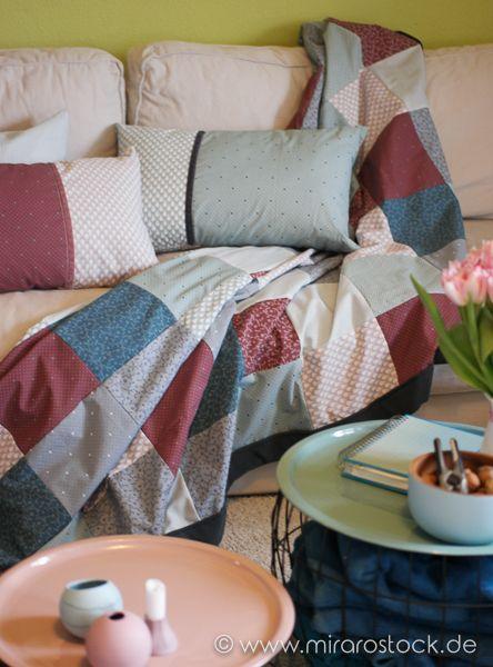 Große kuschelige Patchworkdecke, genäht aus den schönen Baumwollstoffen von Au Maison mit flauschigem Fleece auf der Innenseite.