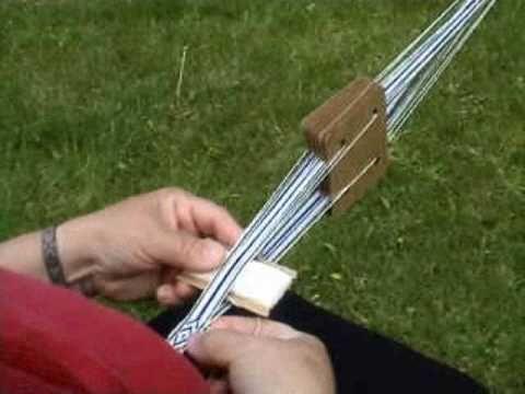 Basic Tablet weaving - YouTube