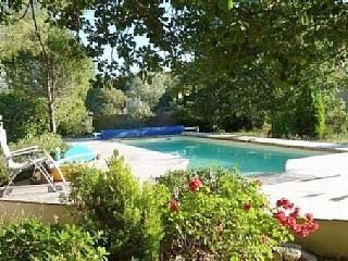 Location villa St Cannat Aix en Provence Pays d'Aix pour 8 personnes