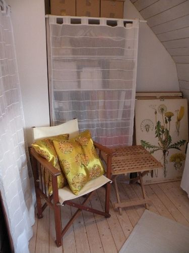 My meditation chair with two cushions in an amazing, Chinese silk fabric, which I bought in Cambodia. /Sara Waters 2015