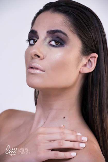 Brown Smokey Eye Makeup idea. #mua #makeuplessons #makeupidea #brown