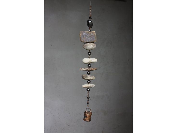 Ohárky s hematitem a mědí, ručně tepaný zvonek