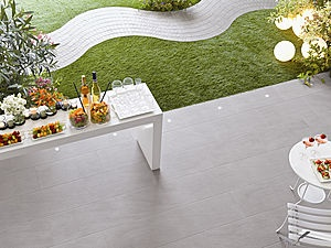Unik collection by Ceramiche Keope: the beauty of stone in a variety of refined grey tones! #outdoor #tiles