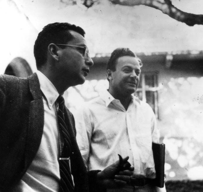Uncredited Photographer   Theoretical Physicists Murray Gell-Mann and Richard Feynman  1959