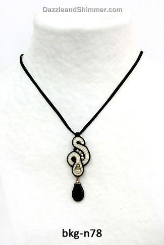 Soutache necklace // Beautiful in black and white – Dori Cengeri